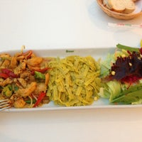 Photo taken at Green Salads by Gokhan A. on 5/2/2013