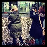 Das Foto wurde bei Lehmbruck Museum von Rouven K. am 12/2/2012 aufgenommen