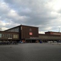 Foto diambil di Duisburg Hauptbahnhof oleh Rouven K. pada 5/31/2013