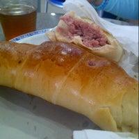 Photo taken at Panaderia y Pasteleria Alianza by Vanessa G. on 9/14/2012