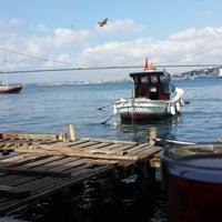 Photo taken at Tarihi Çınaraltı Aile Çay Bahçesi by Gökhan S. on 7/6/2013