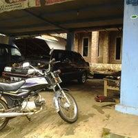 Photo taken at Bengkel Mobil Wardjito Slamet by Okydamiannugrahanto N. on 1/31/2014