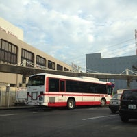 Photo taken at 樟葉駅 バス乗り場 by けーぞ on 10/31/2012