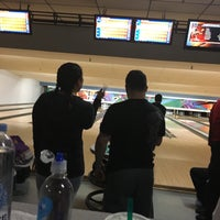 Photo taken at 4th Street Bowl by Marie on 3/30/2017