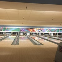 Photo taken at 4th Street Bowl by Marie on 3/26/2017