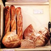 Foto tirada no(a) Barbarella Bakery por Esther W. em 6/13/2013