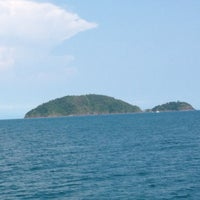 Photo taken at เกาะหวายบีชรีสอร์ท KOH WAI Beach Resort by Q on 3/23/2013