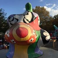 Das Foto wurde bei Flohmarkt Am Hohen Ufer von Al am 11/9/2014 aufgenommen