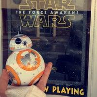 Photo taken at CineLux Plaza Theatre by Ashley Yuki on 12/19/2015