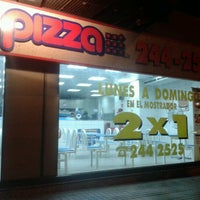 Photo taken at Pizza Pizza by Carlos Z. on 11/12/2012