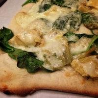 Foto tirada no(a) Rizzo's Fine Pizza por Arno G. em 10/13/2013