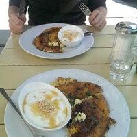 Das Foto wurde bei Café Maria von Fearghal H. am 7/21/2013 aufgenommen
