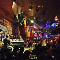 Photo taken at Pete's Dueling Piano Bar by Ozum A. on 10/20/2012