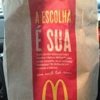 Foto tirada no(a) McDonald's por Lucas P. em 1/18/2013