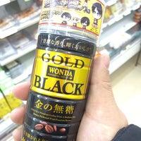 Photo taken at 7-Eleven by Daifuku888 on 2/20/2014