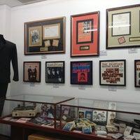 Foto tomada en Museo Beatle por Monik M. el 9/25/2013