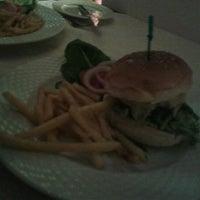 รูปภาพถ่ายที่ The K Lounge, The K Hotel โดย Kate M. เมื่อ 12/6/2012