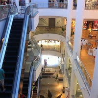 Photo taken at Maringá Park Shopping by Bruno A. on 4/21/2013