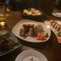 Das Foto wurde bei Kaze Sushi and Hibachi Restaurant von Cheryl am 5/15/2015 aufgenommen