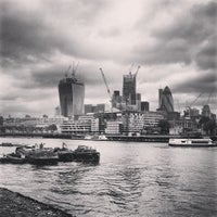 Das Foto wurde bei The Queen's Walk von Jiri K. am 6/12/2013 aufgenommen