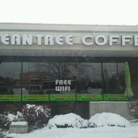 Photo taken at Beantree Coffee by Annie V. on 2/22/2013