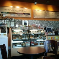 Photo taken at Beantree Coffee by Annie V. on 9/23/2012