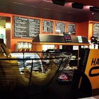 3/18/2013 tarihinde Holly W.ziyaretçi tarafından Boston Common Coffee Company'de çekilen fotoğraf