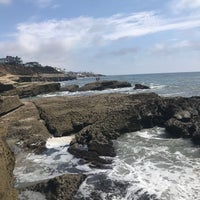Foto tirada no(a) Cliffs At Ocean Beach por Jonathan J. em 7/23/2017