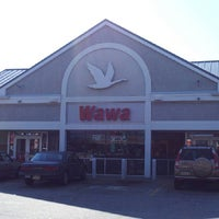Photo taken at Wawa by James The Blueprint W. on 6/15/2013