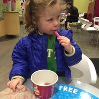 Photo taken at Menchie's Frozen Yogurt by Nicolas G. on 3/18/2015