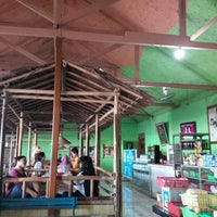 Photo taken at Restoran Taman Pringjajar by Mas'ud A. on 12/25/2014