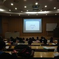 Photo taken at 서울대학교 자연과학대학 by Jinman J. on 3/23/2013