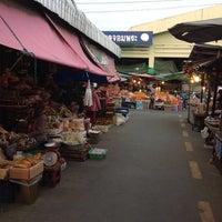 Photo prise au วัดป่าปราสาทจอมพระ par วิลา ว. le1/18/2014