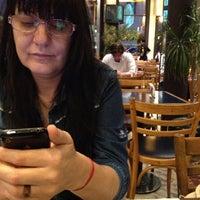 Foto tomada en Totem Pizza por Pierre M. el 11/9/2012