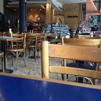 Foto tomada en Totem Pizza por Pierre M. el 12/4/2012
