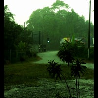 Photo taken at Kār nxn h̄lạb thī̀ dī thī̀s̄ud f̄n by ZahariEndy™ on 10/9/2012