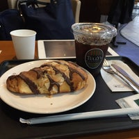 Foto scattata a TULLY'S COFFEE 京急羽田空港駅店 da Tetsuji O. il 11/25/2015