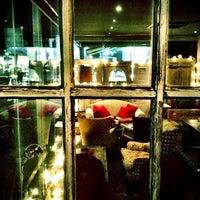 Foto scattata a Magnolia Sushi Bar da Romina Z. il 11/4/2012