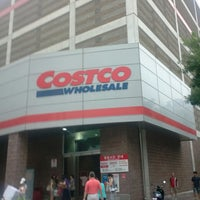 Photo taken at COSTCO WHOLESALE by 종민 김. on 8/2/2013