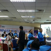 Photo taken at Wisma TNB Seberang Jaya by Aizat on 4/1/2016