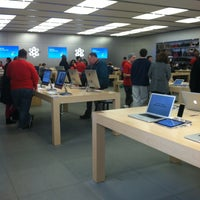 Photo taken at Apple Towson Town Center by Svetlana on 12/21/2012