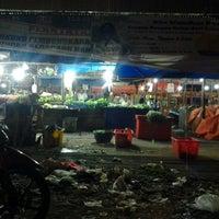 Photo taken at Pasar Flamboyan by Nurhadi N. on 6/27/2013