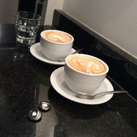 Снимок сделан в Ninth Street Espresso пользователем Jourik M. 5/8/2014