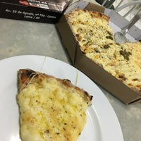 Photo taken at Le Pizzas by Juliano C. on 6/29/2016