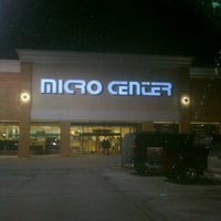 Photo taken at Micro Center by Jettie L. on 3/5/2013