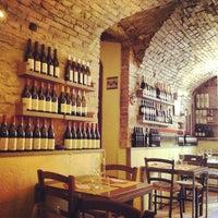 Foto scattata a Drinking Wine Ristorante da Veronica il 8/19/2013