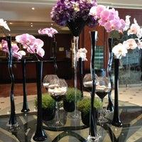 Photo taken at London Hilton on Park Lane by Francis on 10/15/2012