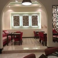 Das Foto wurde bei Shababik Restaurant von Habib C. am 6/20/2014 aufgenommen