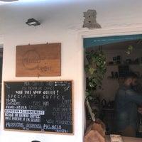 Foto tomada en Mia coffee shop por Philippe R. el 5/28/2018