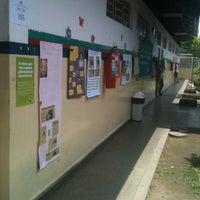 Photo taken at Escola Estadual  Maria Amélia by Yolanda on 10/28/2012